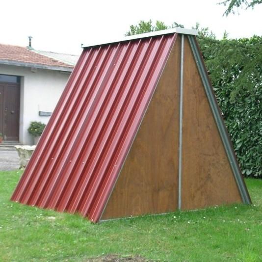 behausung aus blech f r schafe schweine und ziegen. Black Bedroom Furniture Sets. Home Design Ideas
