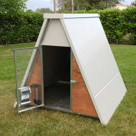 Insulated mini chicken coop entrance