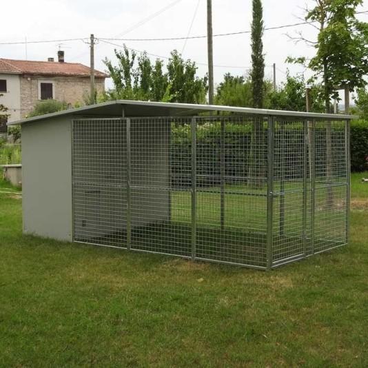 Box per cani mod. Modulare 200x400 con tettoia